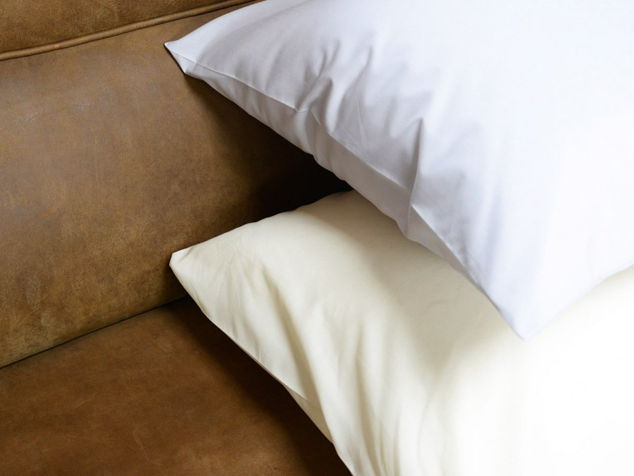 percale-pillow-case-luxury-bed-linen-1